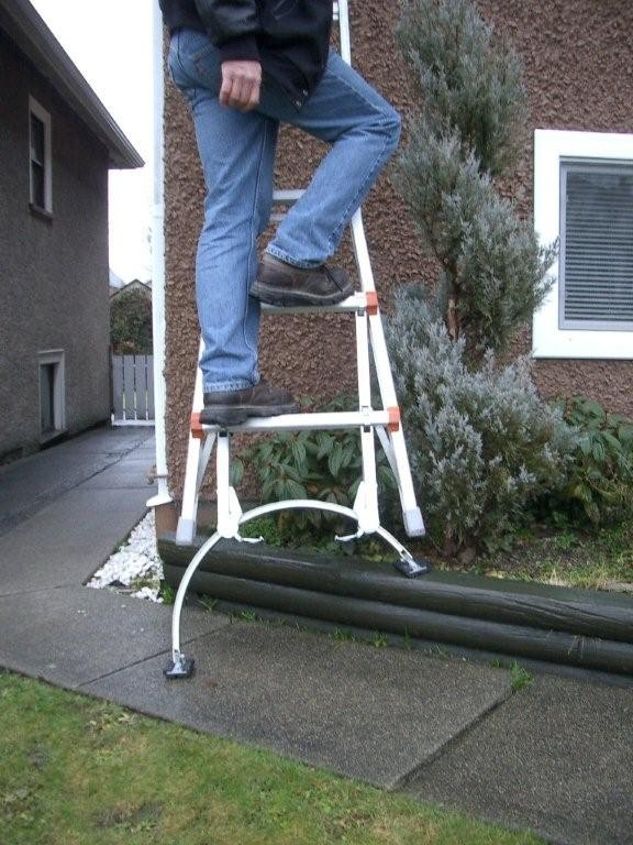 Basemate Ladder Stabilizer From Guardian Fall Protection