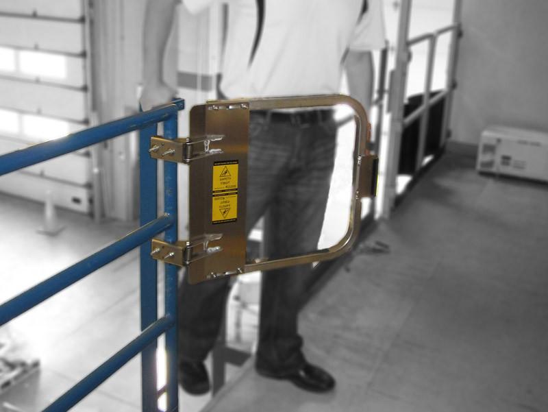 Aluminum Industrial Safety Gate Osha Compliant Self