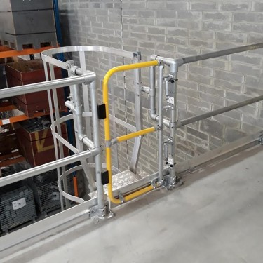 "15""-44"" - Full-Height Adjustable Industrial Safety Gate"