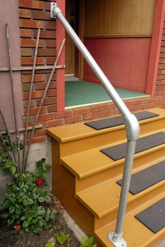 Replacing Old Handrail with a Hybrid Style Simple Rail Handrail Kit