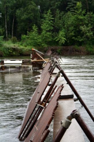 Building Fishing Weirs in the Alaskan Interior