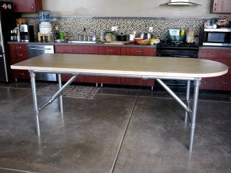 5 Modern DIY Dining Room Tables Built with Industrial Pipe