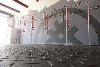 Build An Entire Home Gym From Industrial Pipe