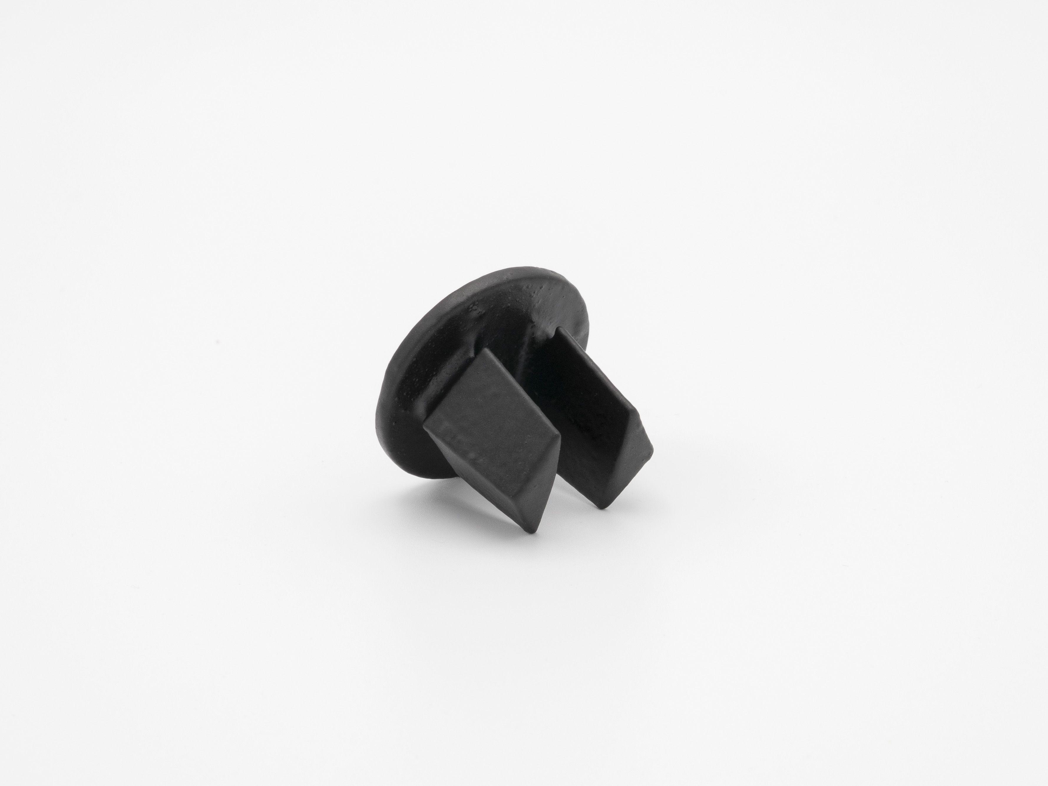 """Black 84-7 - Malleable Plug, 1-1/4"""""""