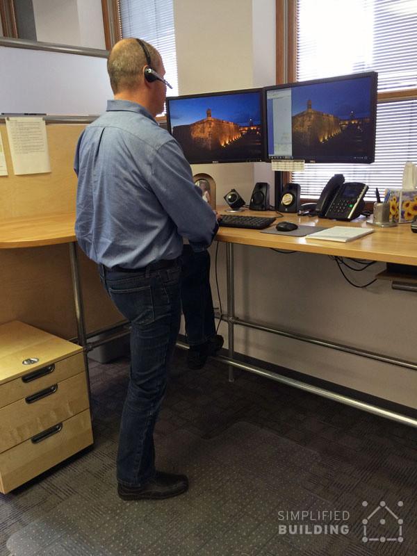 Adjustable Height Desks for the Ideal Workspace