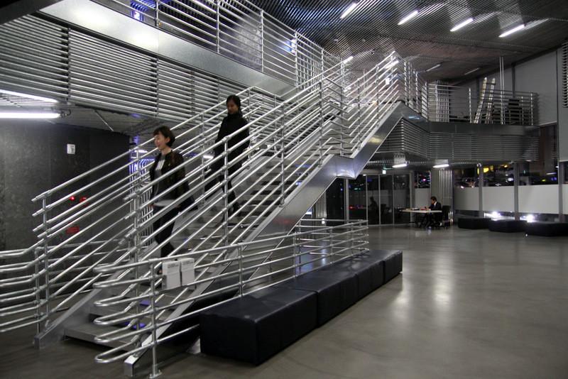 pipe dream interior design hyundai showroom in s korea simplified building. Black Bedroom Furniture Sets. Home Design Ideas