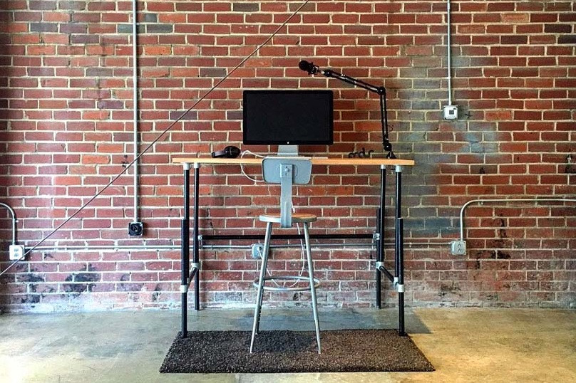 37 Diy Standing Desks Built With Pipe And Kee Klamp